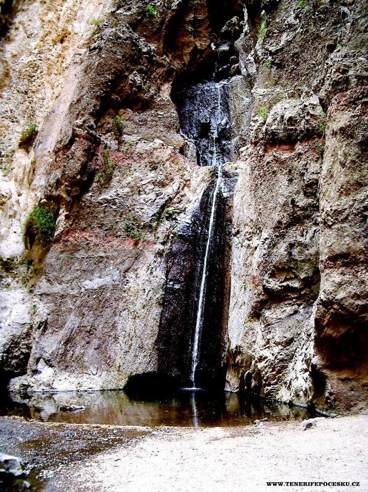 Výlet do rokle s vodopádem