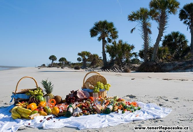 Romantický piknik na pláži
