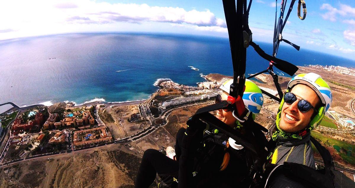 Paragliding silver flight